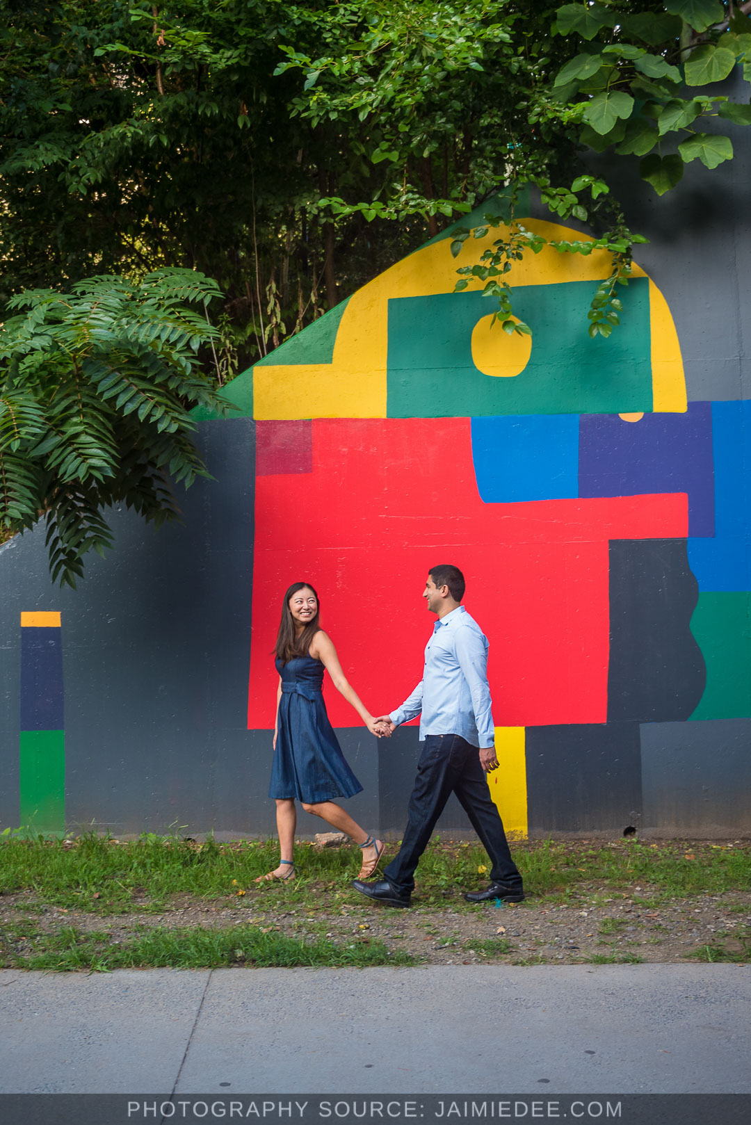 Atlanta-Beltline-engagement-photos-wall