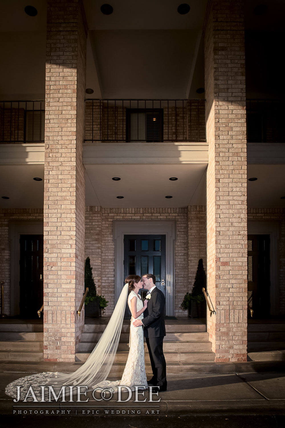Best Destination Wedding Photographer | River Oaks Country Club