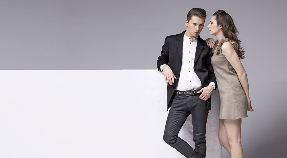 engagement-photo-outfits-what-to-wear-for-engagement-photos